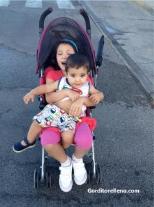 Juntos en la silla de paseo
