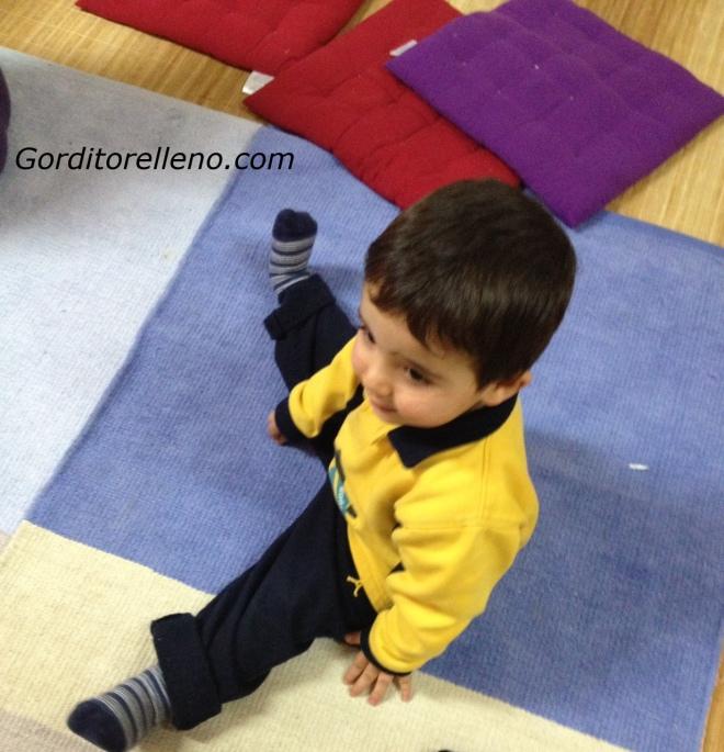 Gordito haciendo Yoga